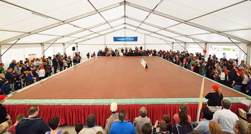 Largest chocolate bar by area tcm25 480699 - O chocolate mais caro do mundo! E outras curiosidades