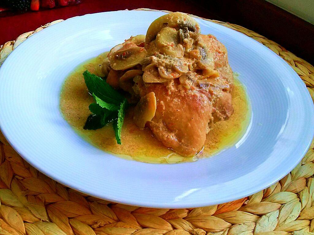 Receta de pollo con cava y champiñones