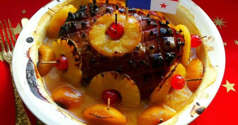 Pierna de cerdo ahumada al horno con frutas. Receta de Panamá