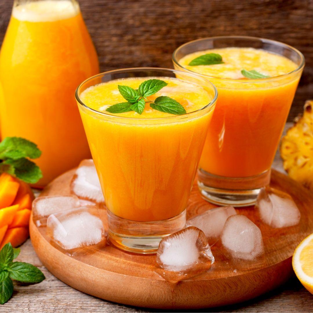 Smoothie nutritivo con aceite de coco y cúrcuma