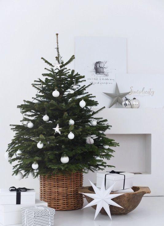 decoração de natal com ávore pequena