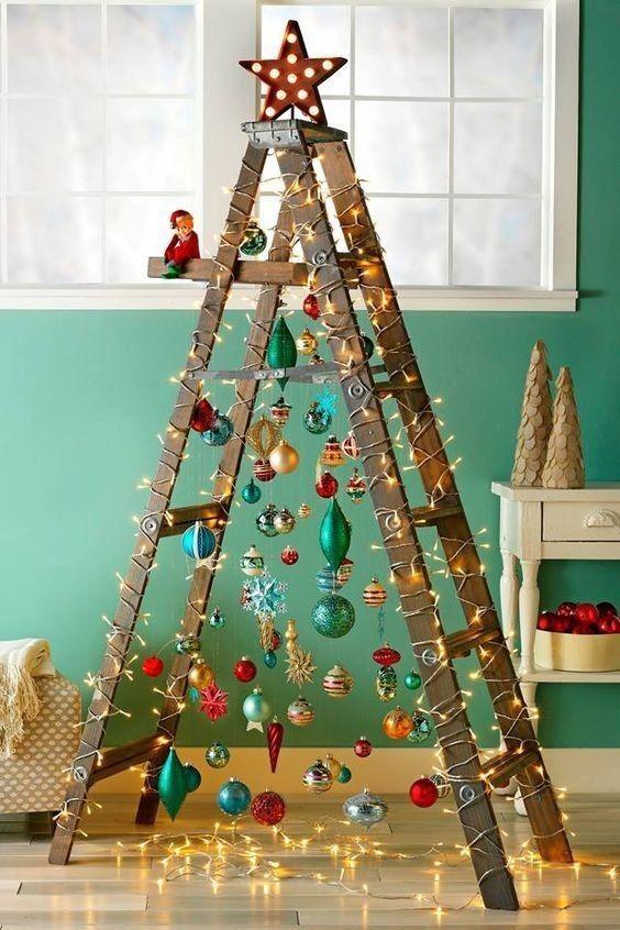 decoração de natal com pisca pisca na escada
