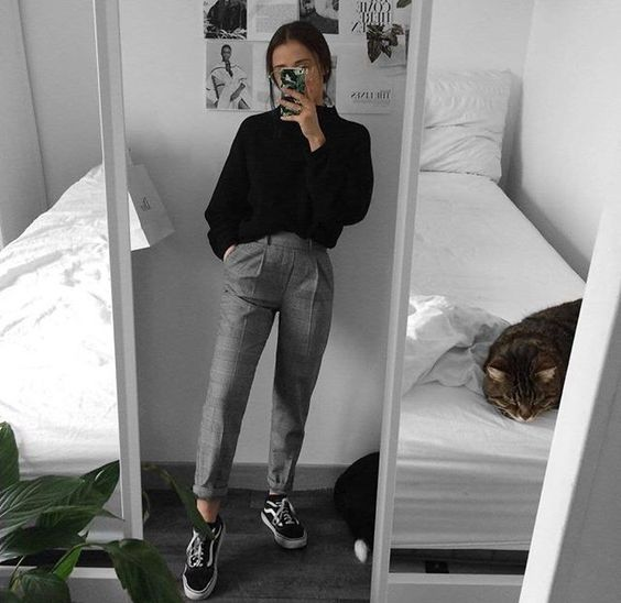 suéter e calça de alfaiatria xadrez