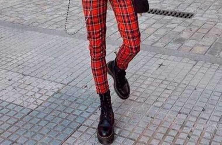 calça xadrez vermelha