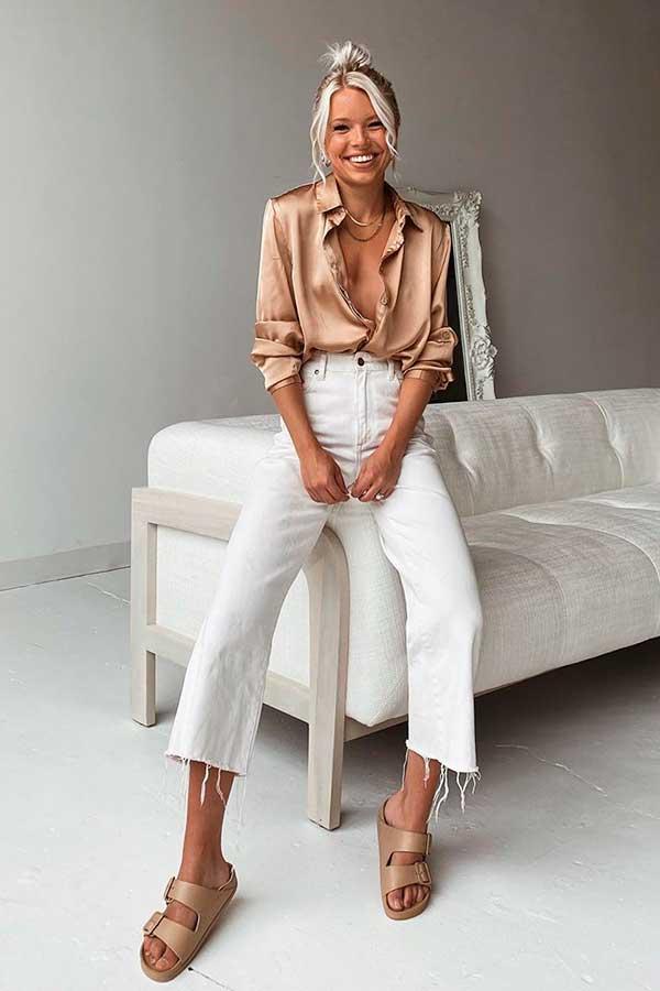 camisa de cetim e calça branca