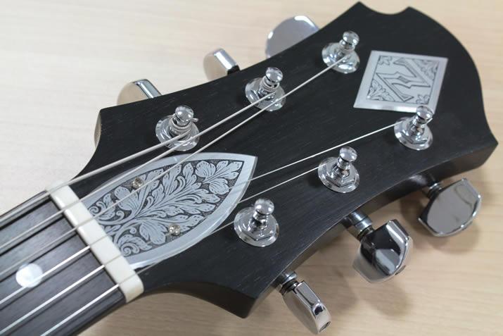 ゼマイティス・ギターのヘッド部分