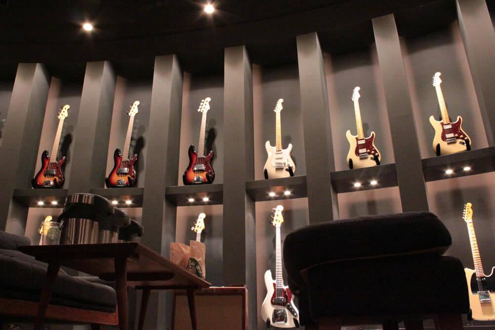 カスタムショップ製のギター/ベース