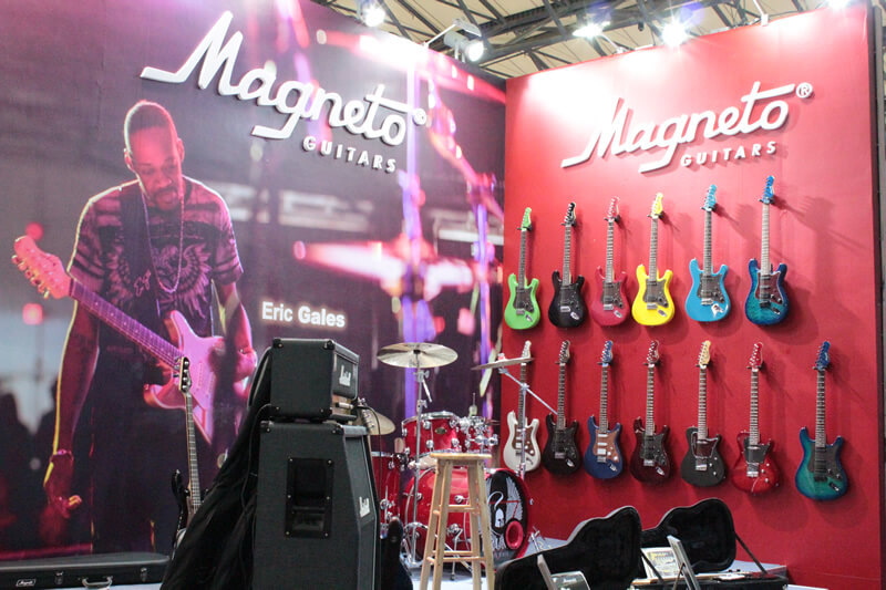 Magneto Guitars