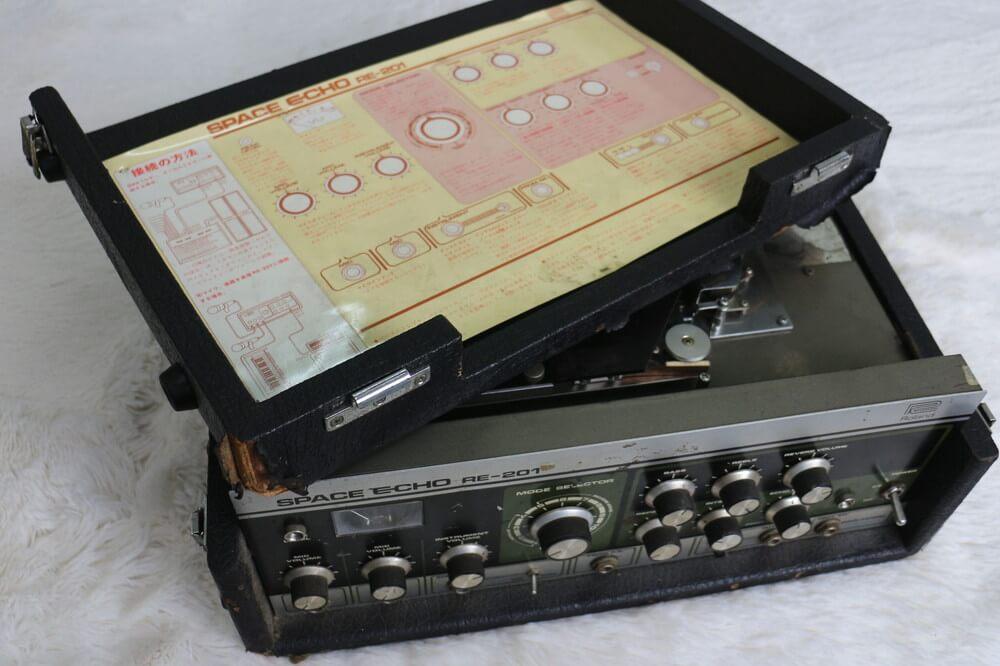 Roland RE-201:上面パネル