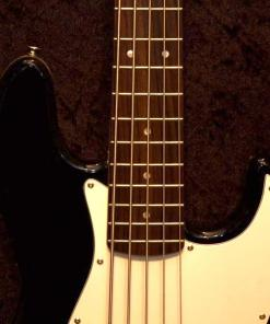 E-Bass im American Guitar Shop 1