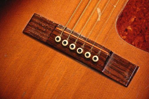 M-22 Folkgitarre