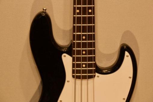 Squier Jazzbass1 3