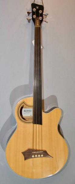 Akustik Bass im American Guitar Shop