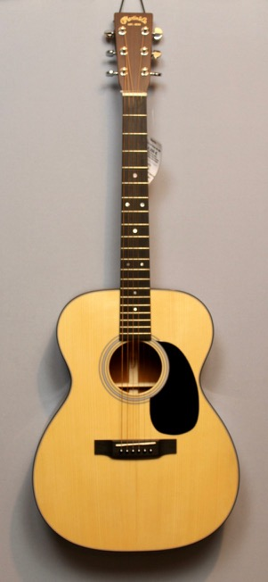 Westerngitarren von Martin Guitars in Berlin 11