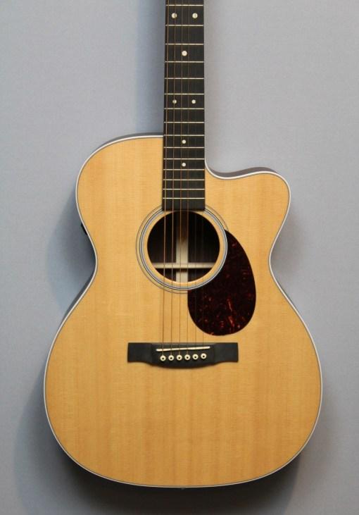 Martin & Co Guitars 8