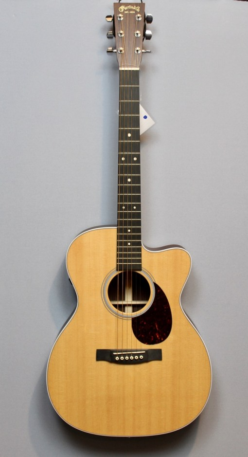 Martin & Co Guitars 7