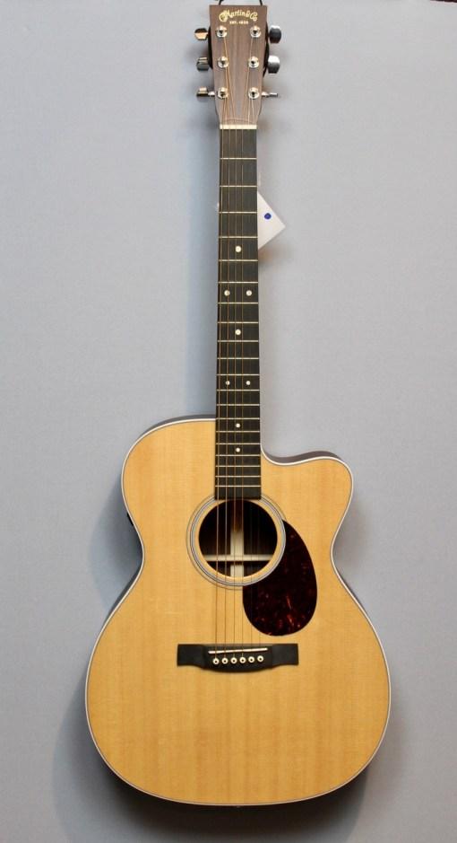 Martin & Co Guitars 7