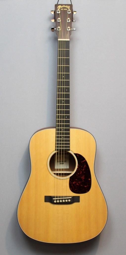 Martin Folk Gitarre 10