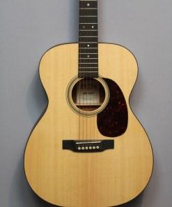 Martin Folk Gitarre