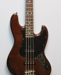 Fender Jazz Bass 62 Walnut