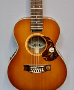 Maton Mini EMD12 – American Guitar Shop - Gitarren in Berlin 4