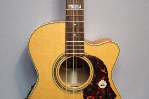 Maton EBG808TEC Gitarre Berlin 15