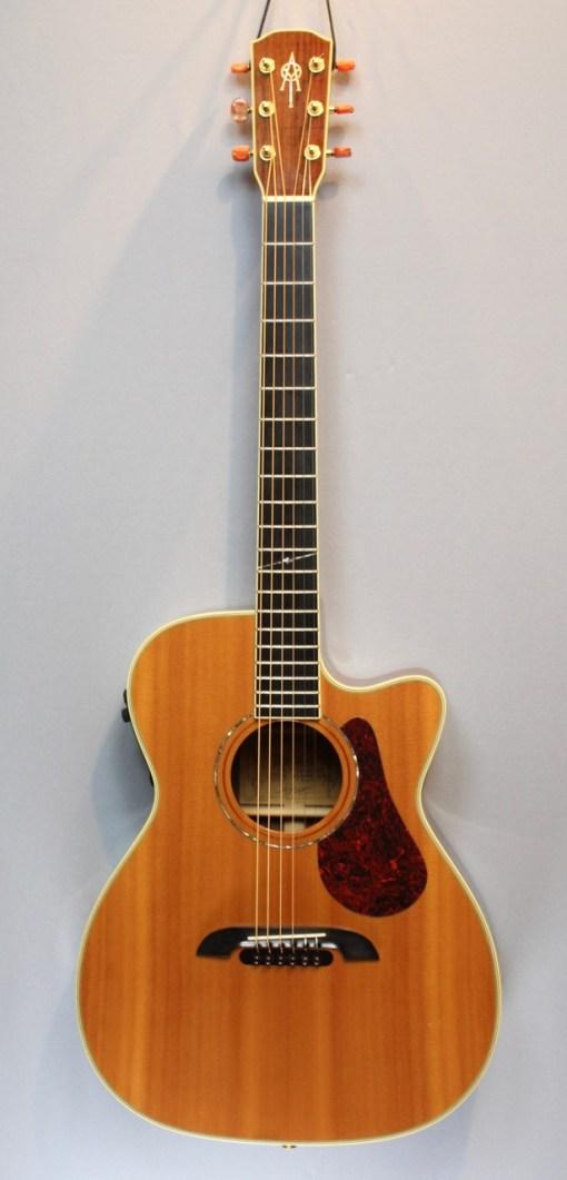 Alvarez FYM95C Aura Cutaway OM Folk Gitarre 4