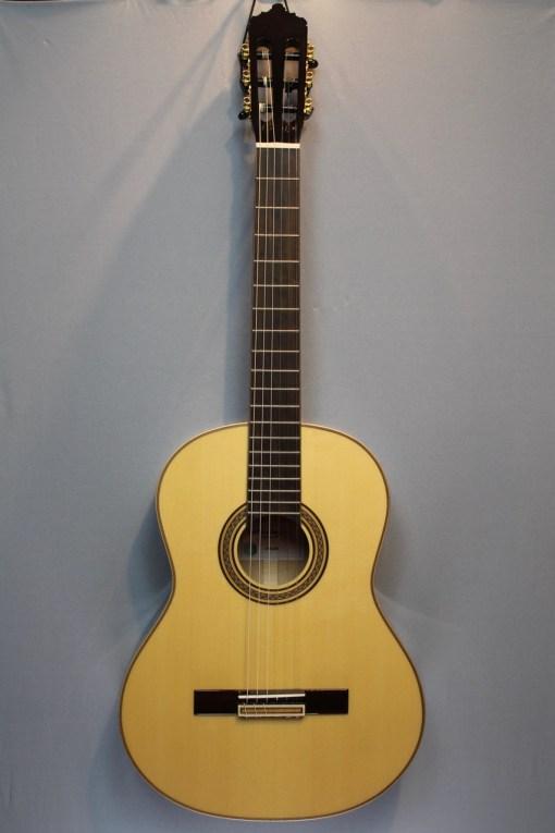 La Mancha Jade black Konzertgitarre 2