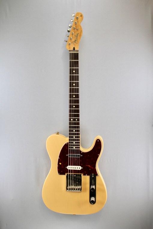 FENDER Deluxe Nashville Tele® MN E-Gitarre 2