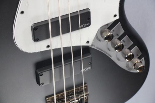 Fender SQ Contemporary Act. J-Bass 2