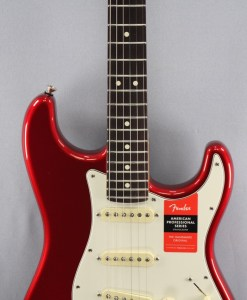Fender AM Pro Strat HSS RW CAR