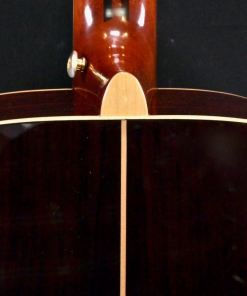 5-lagiger Hals: Mahagoni/Palisander (Dalbergia Latifolia) Griffbrett & Brücke: Ebenholz Sattelbreite: 44 mm