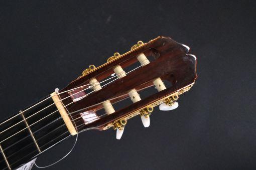 Konzertgitarre mit Tonabnehmer