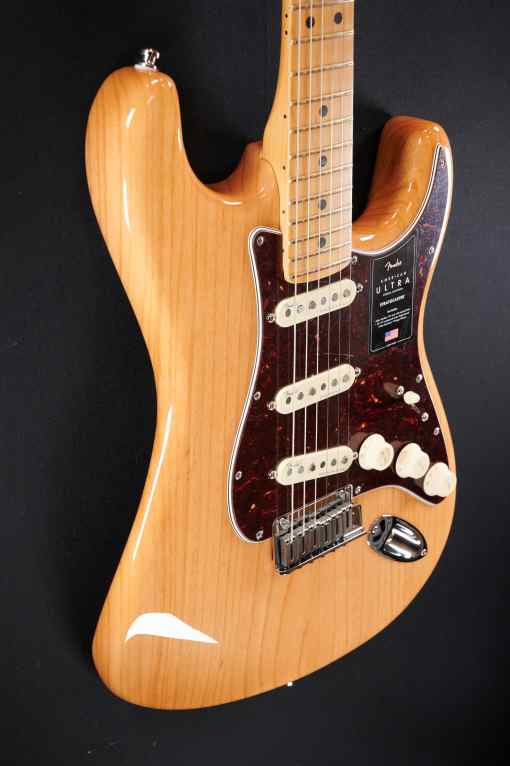 Fender AM Ultra Strat MN AGN