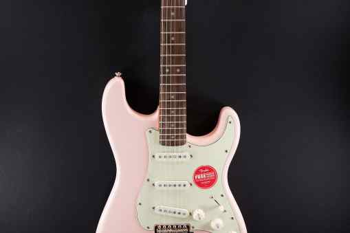Classic Vibe '60s Stratocaster IL Shell Pink