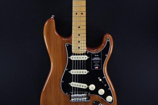 Fender AM Pro II Strat MN Roasted Pine
