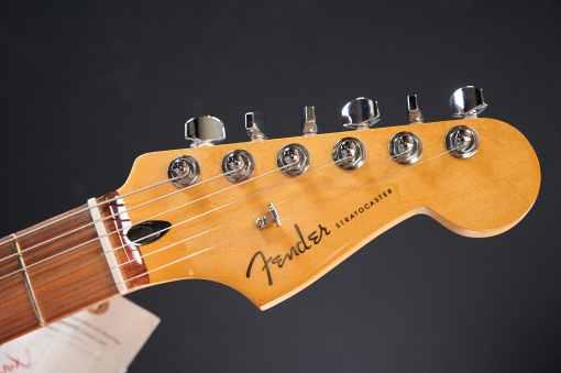Fender Player PLUS Stratocaster ACAR