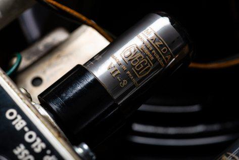 Vintage Bench Text Fender Deluxe Amplifier Shootout