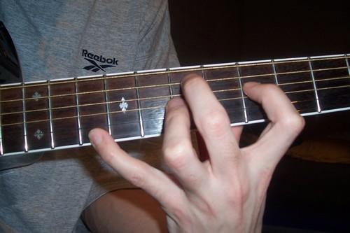 TECHNIQUES et MUSIQUES, IMPROVISATION pour GUITARE. 5 doigts main droite (6, 7 & 8 strings) 0_7_5_7_0_10