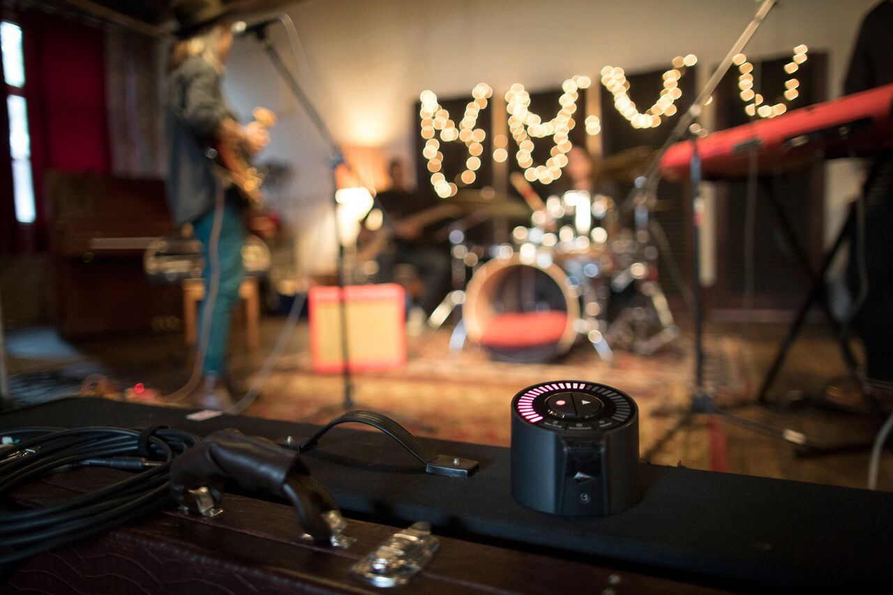 Now Available in Canada: iZotope's Spire Studio, a Portable, Simple