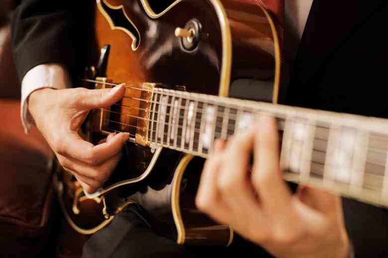 how to start getting into jazz guitar: 10 tips |