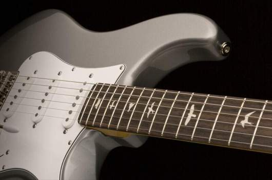 john-mayer-signature-guitar-silver_sky_1