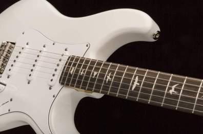 john-mayer-signature-guitar-silver_sky_11