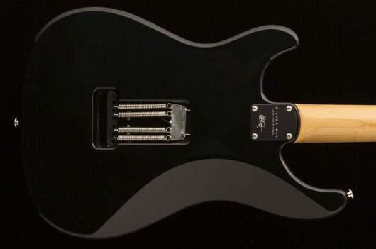 john-mayer-signature-guitar-silver_sky_9