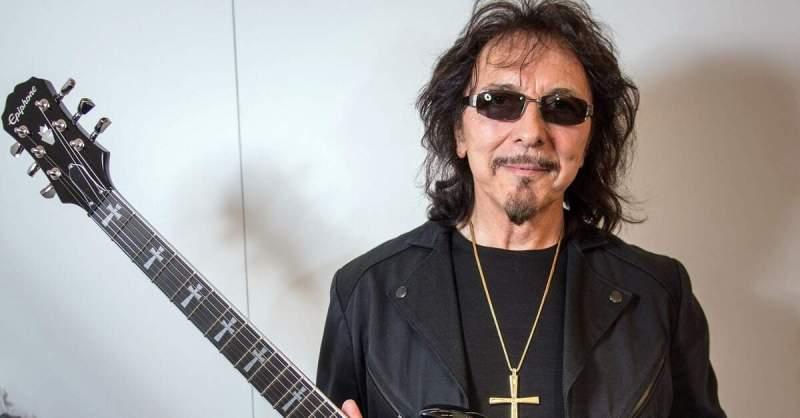 Tony Iommi com uma Epiphone