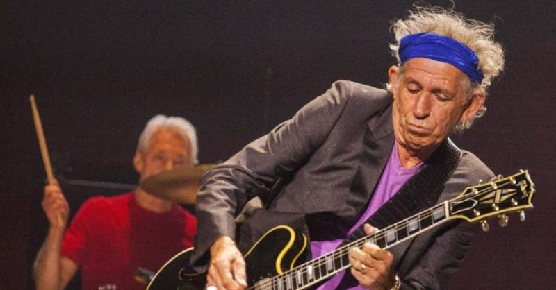 Keith Richards tocando ao vivo