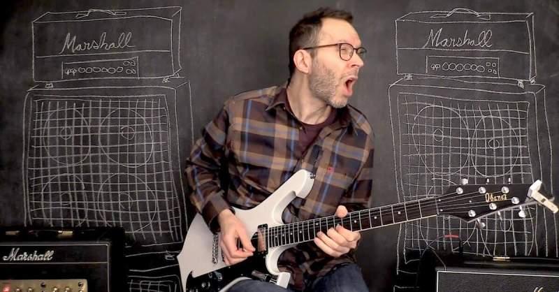 Paul Gilbert usando amplificador Marshall