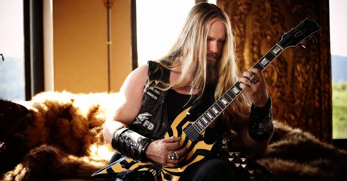 Zakk Wylde tocando guitarra