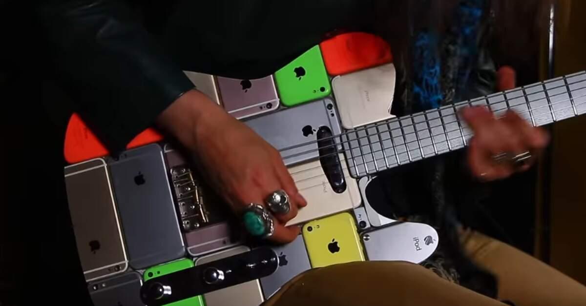 Guitarra feita de iPhone