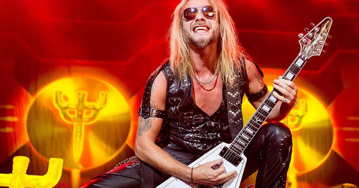 Richie Faulkner revela ter sofrido aneurisma durante show do Judas Priest